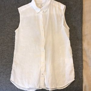 Uniqlo Sleeveless Linen Button Down Top